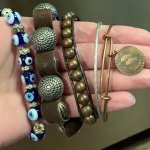 Jewelry - Bracelet bundle 3